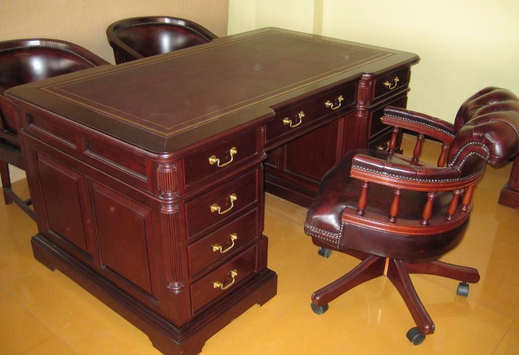Partners desk2 (1024×768)